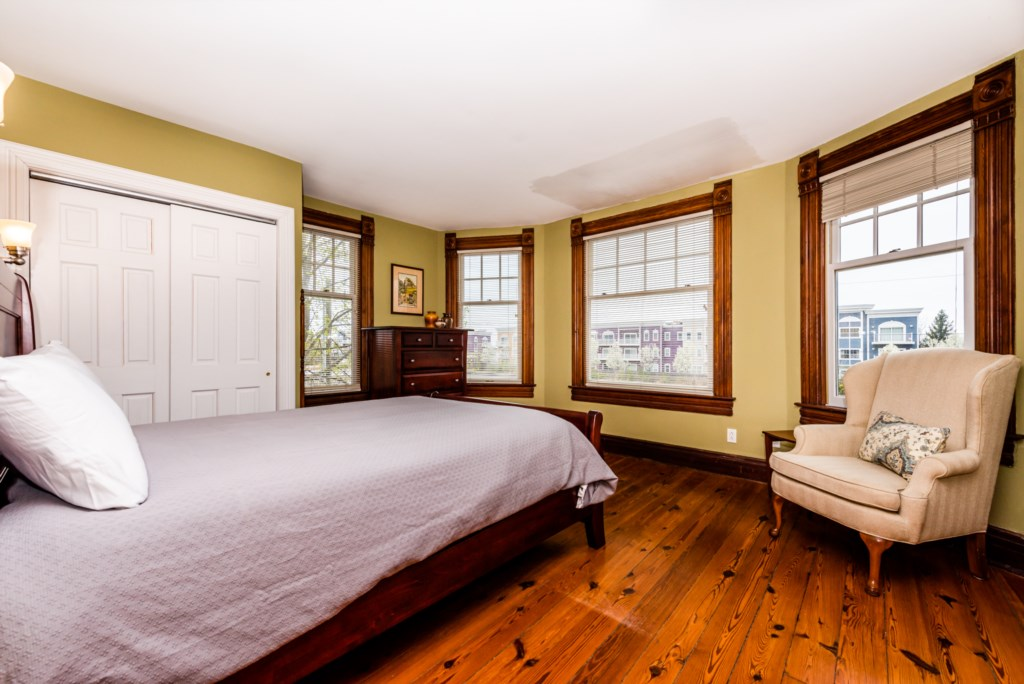 Bedroom #1 (Alt Angle)