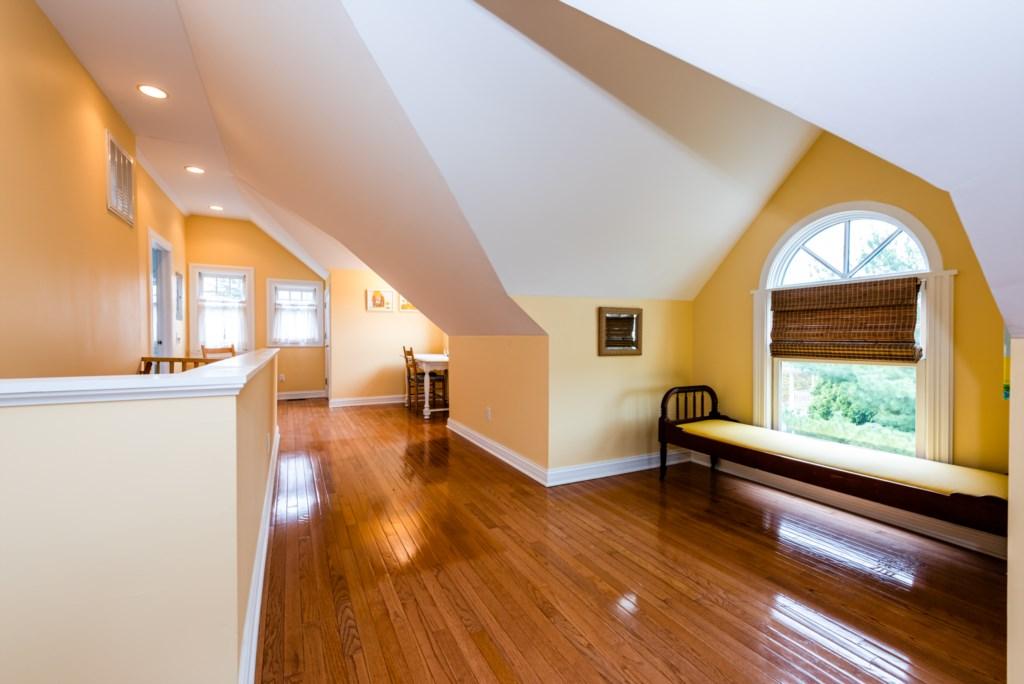 Third Floor Bedrooms & Seating