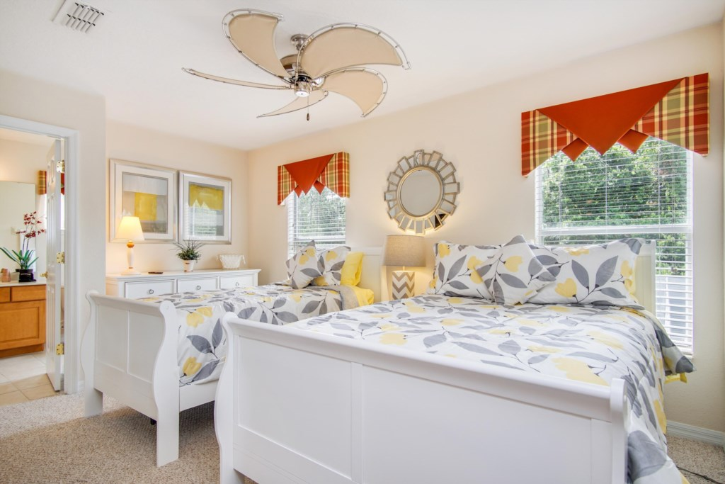 """Bedroom 2 - Full/Twin Room, Private 40"""" TV, Ceiling Fan, Jack n Jill Bath Access (shared with Office)"""