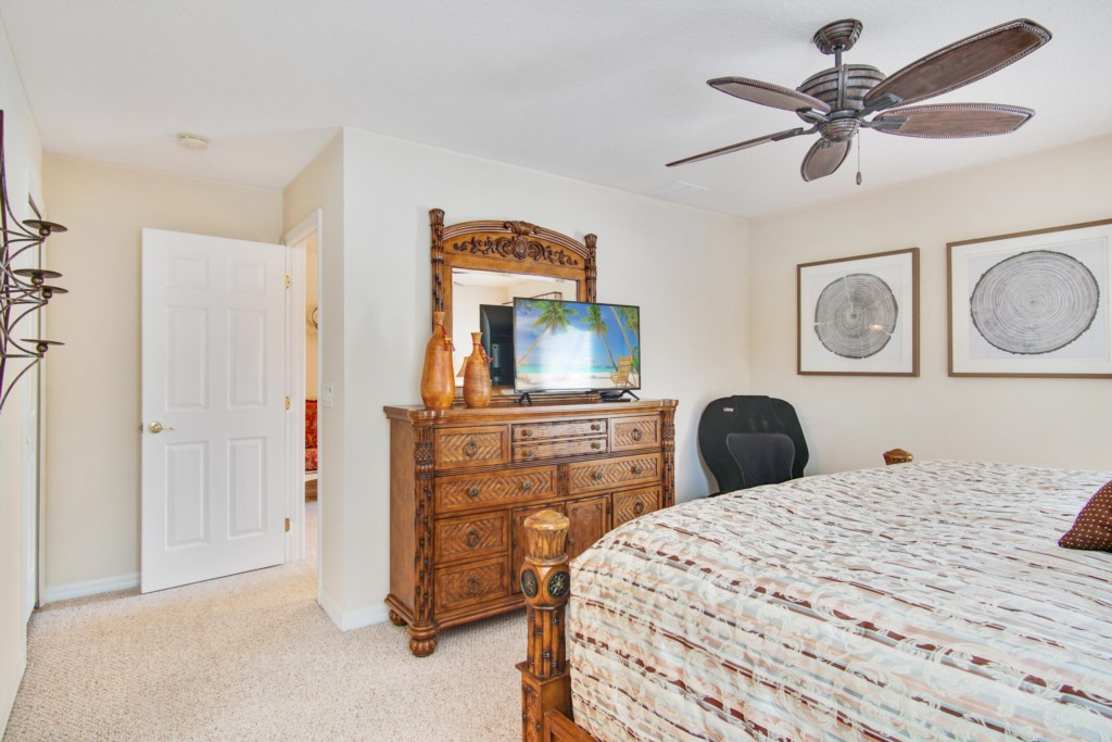 """Bedroom 1 - Master King Bedroom, Private 32"""" TV, Ceiling Fan, iJoy Massage Chair, Private En Suite Bath"""