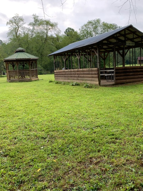 Covered picnic area at Toccoa River