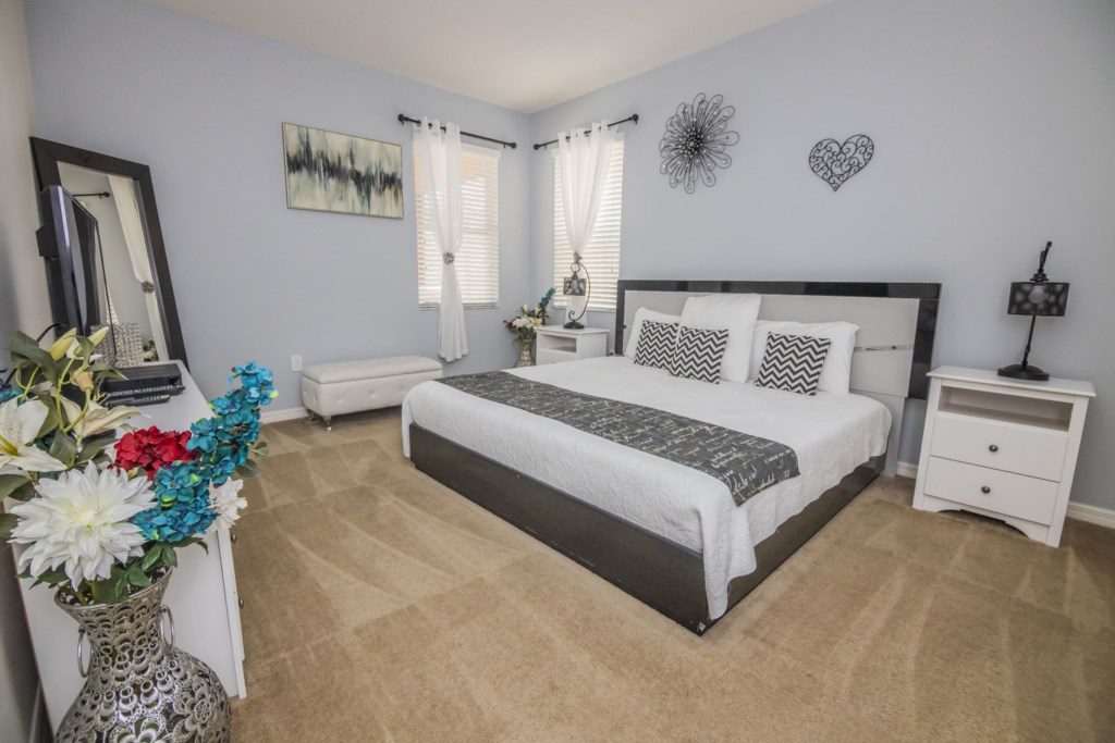 Vacation Home Master Bedroom 1