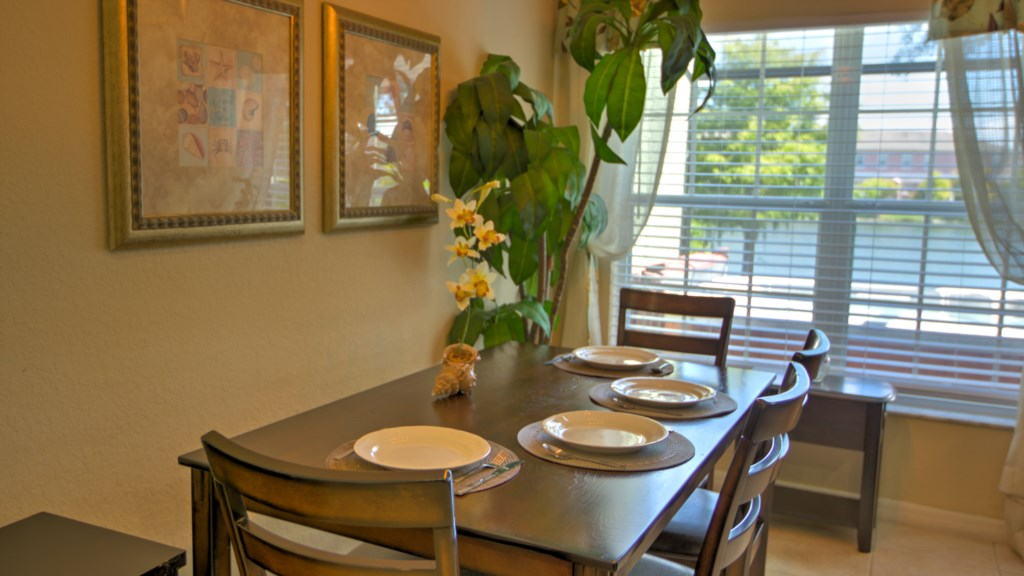 Vacation Townhome Dining