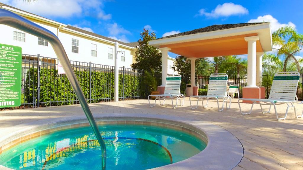 coral-cay-resort-hot-tub