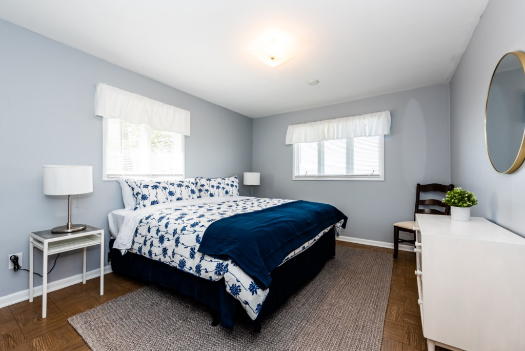 Bedroom #1 (King)