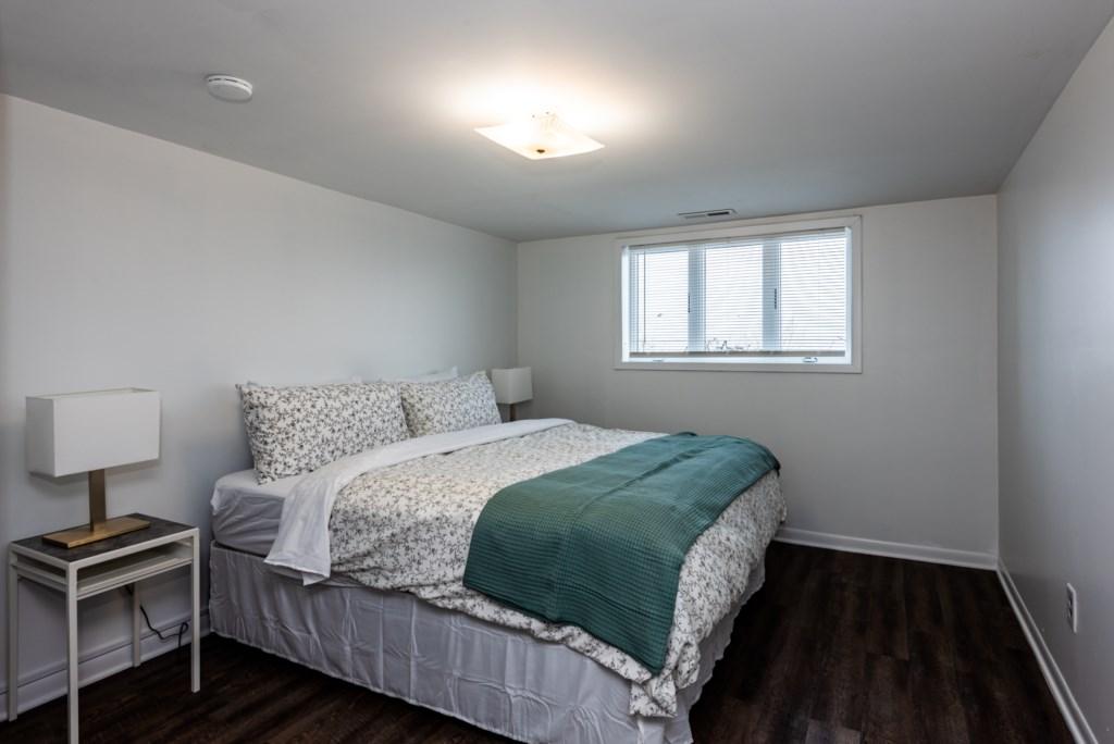 Bedroom #4 (Queen)