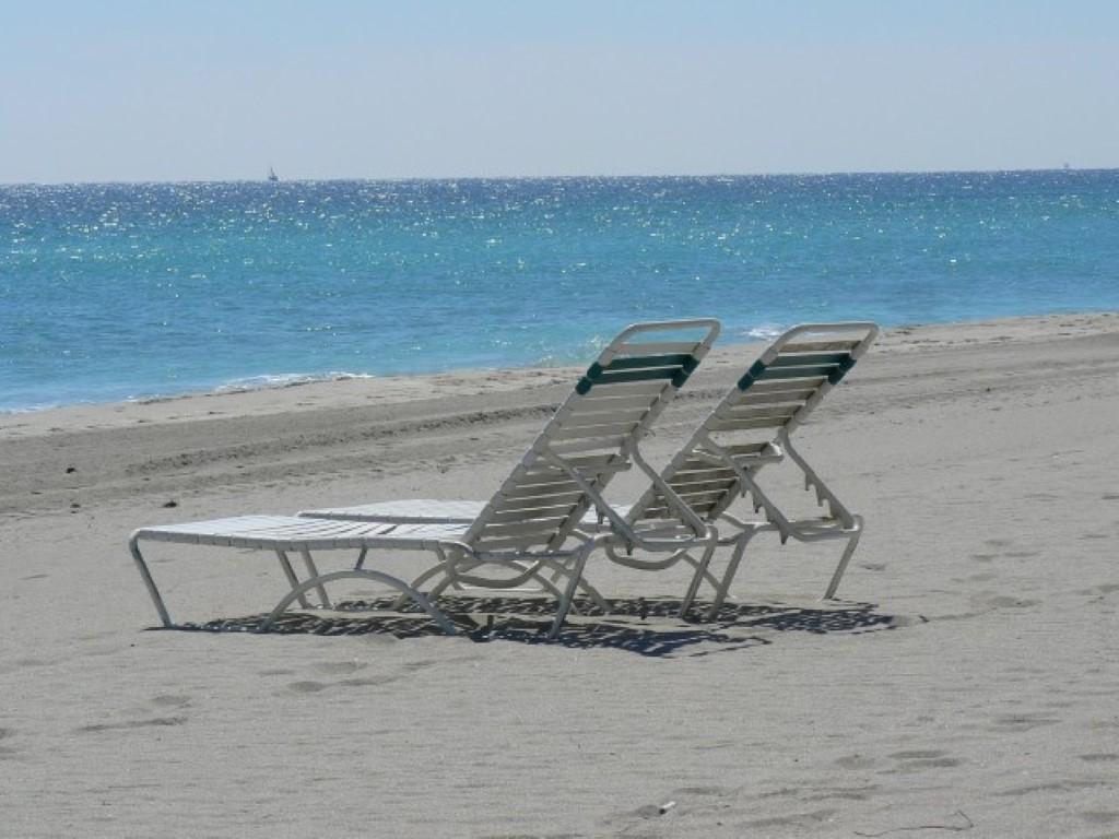 Beach Chairs (Small) (Custom).jpg