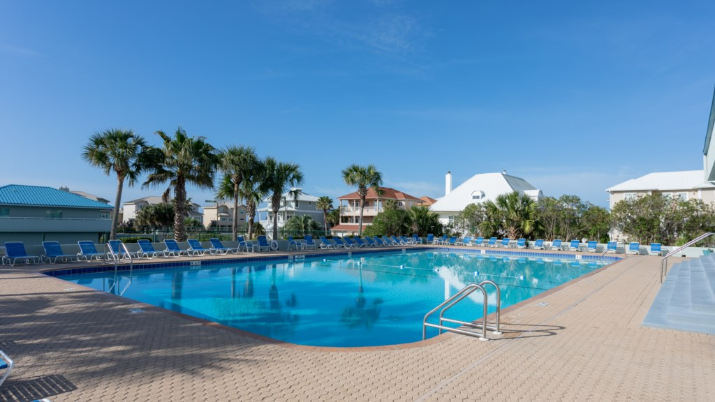 Tristan Towers pool