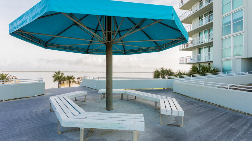 Shady spots to take in the views