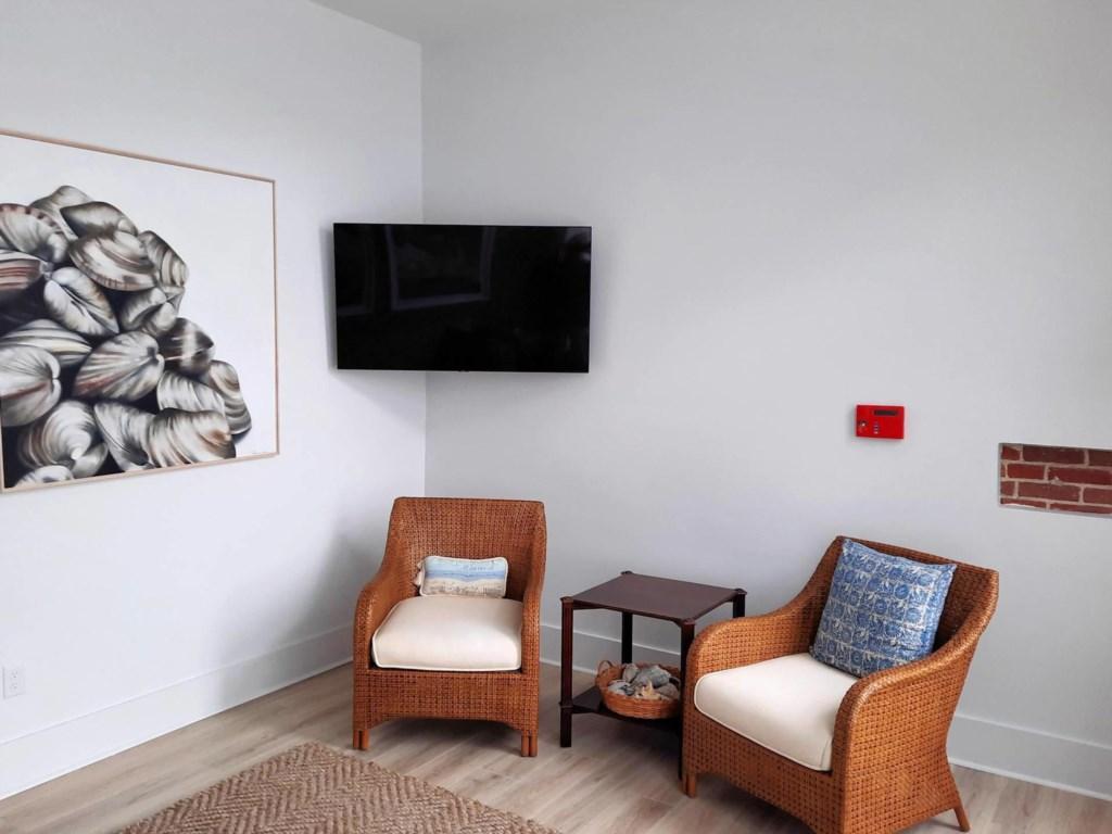 Bay Dreamer 1A Living Room 3