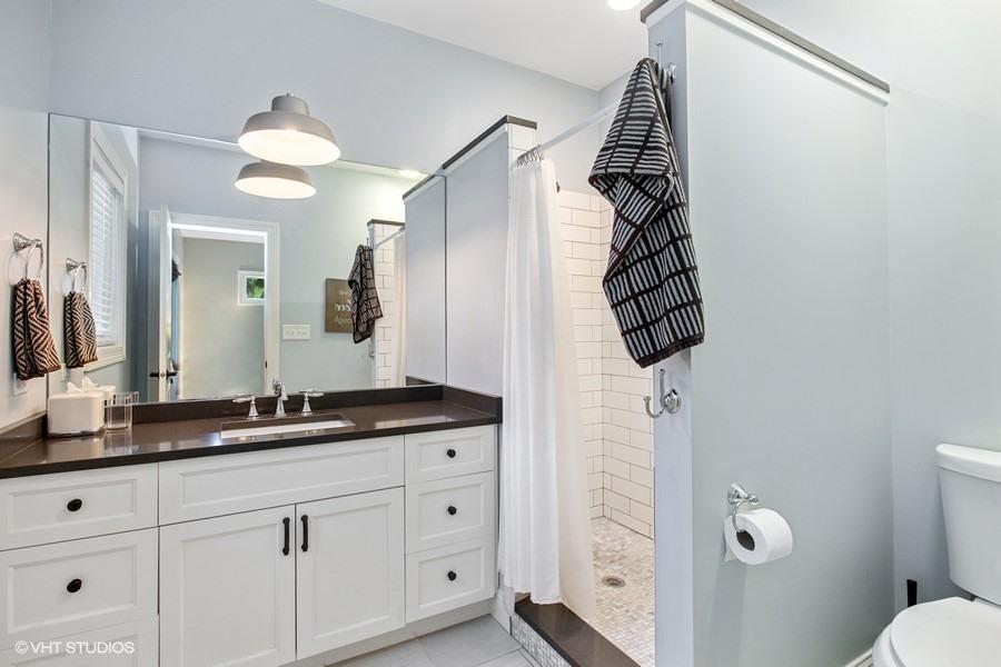 Full Bathroom En Suite