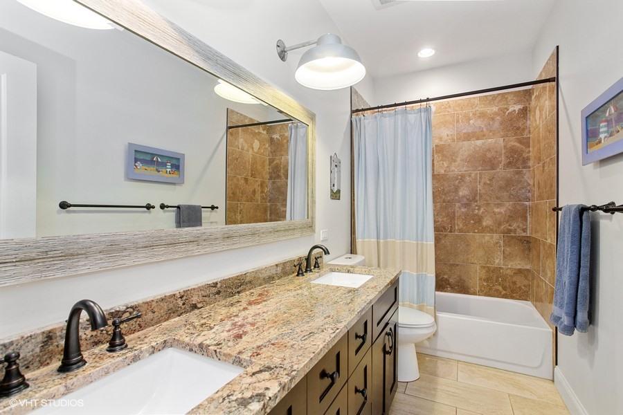 Full Bathroom #2