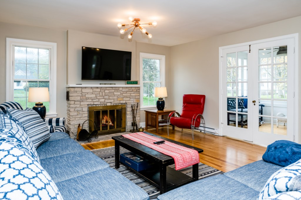 Family Room With TV (Fireplace not operational)