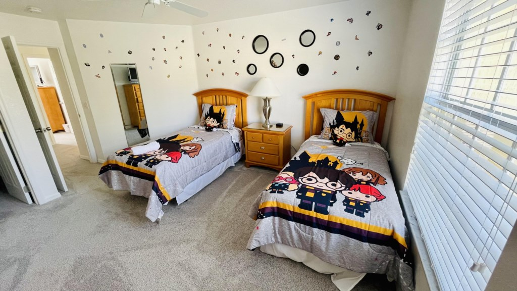 Harry Potter Theme Bedroom - Upstairs