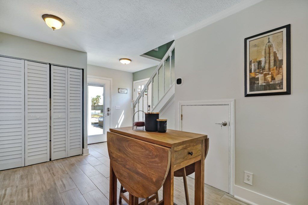 51-web-or-mls-51510thAvenueSouth-4