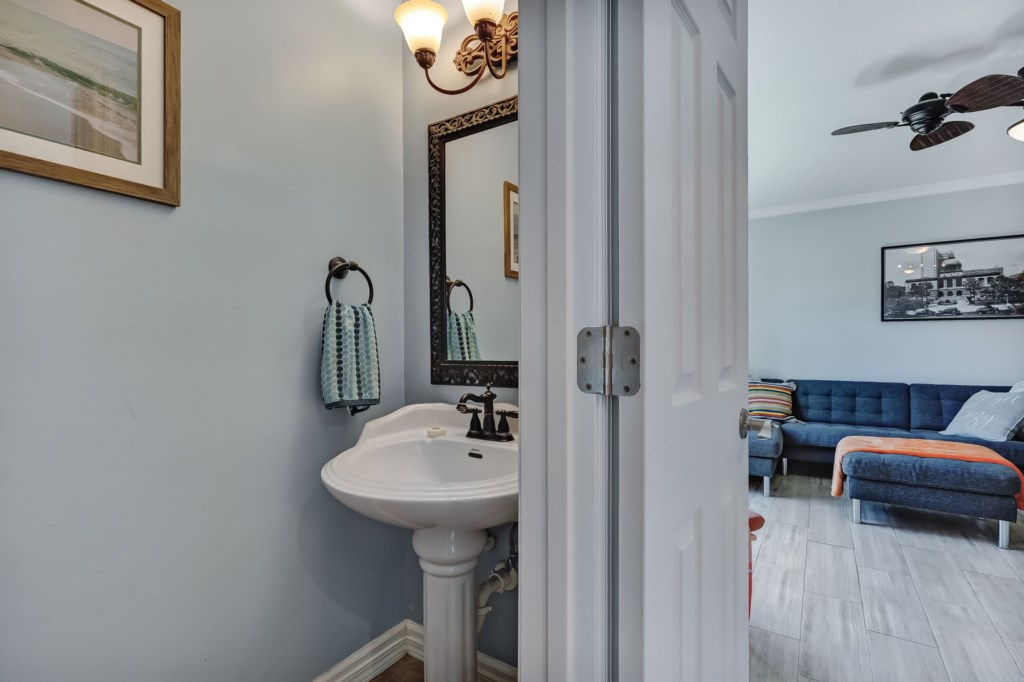 70-web-or-mls-51510thAvenueSouth-17