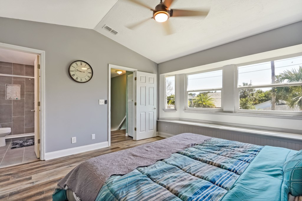 74-web-or-mls-51510thAvenueSouth-25