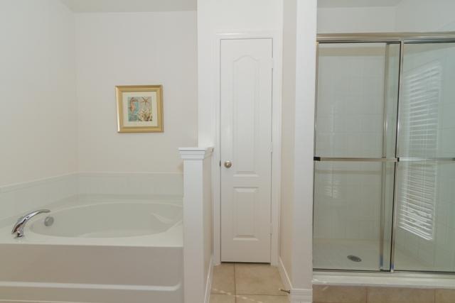 2nd En-Suite Shower.jpg