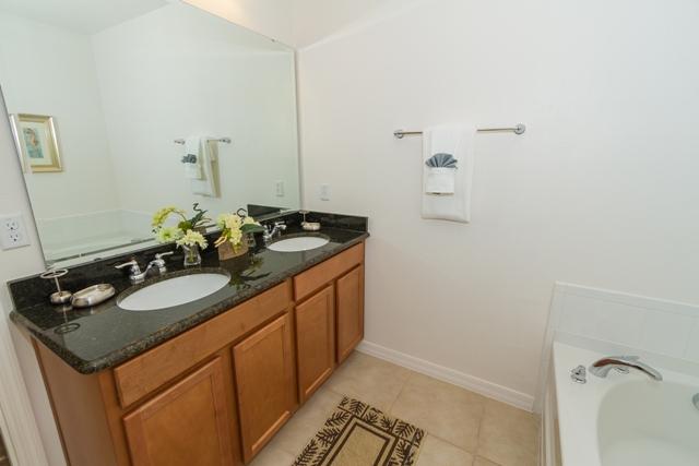 2nd En-Suite Sink.jpg