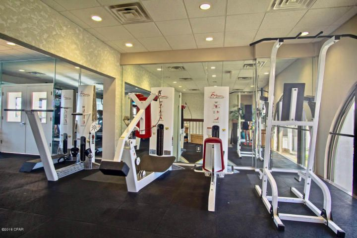 Weight room on site - ck in with the pro shop for prices.