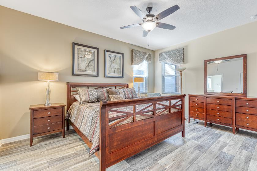 "Bedroom 1 - Master King Bedroom, Private 42"" TV, Private En Suite Bathroom"
