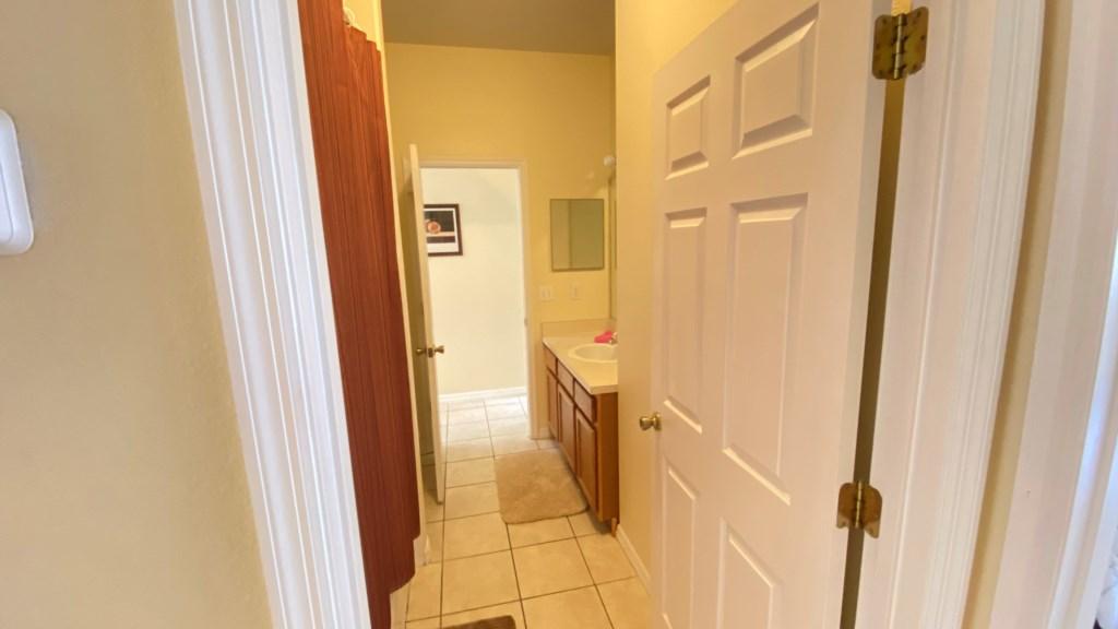 Hall bath 1.jpg