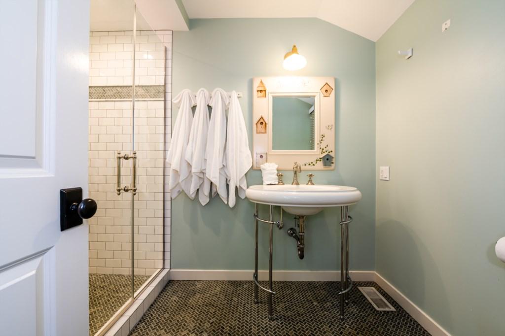 En Suite Bathroom Off Bedroom #1