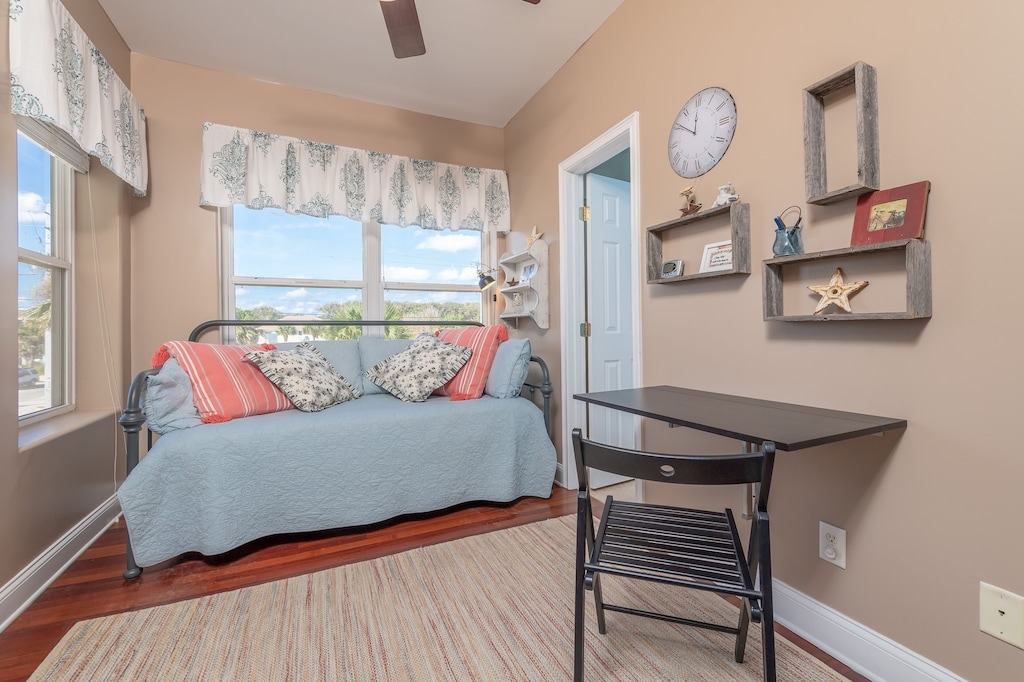 Guest room 2 with a fold out desk