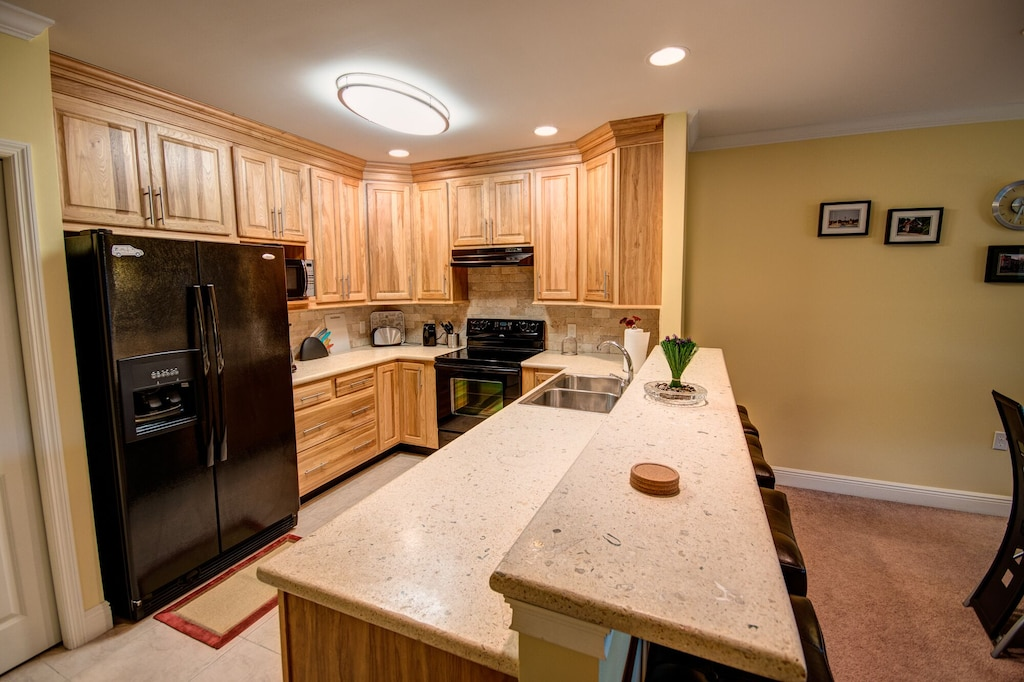 Huge Kitchen with granite counter tops