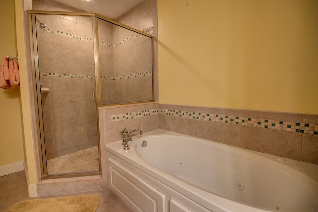 Jacuzzi Tub with walk in shower