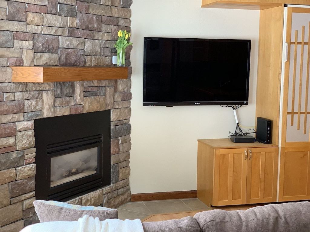 flatscreen tv with cable and DVD