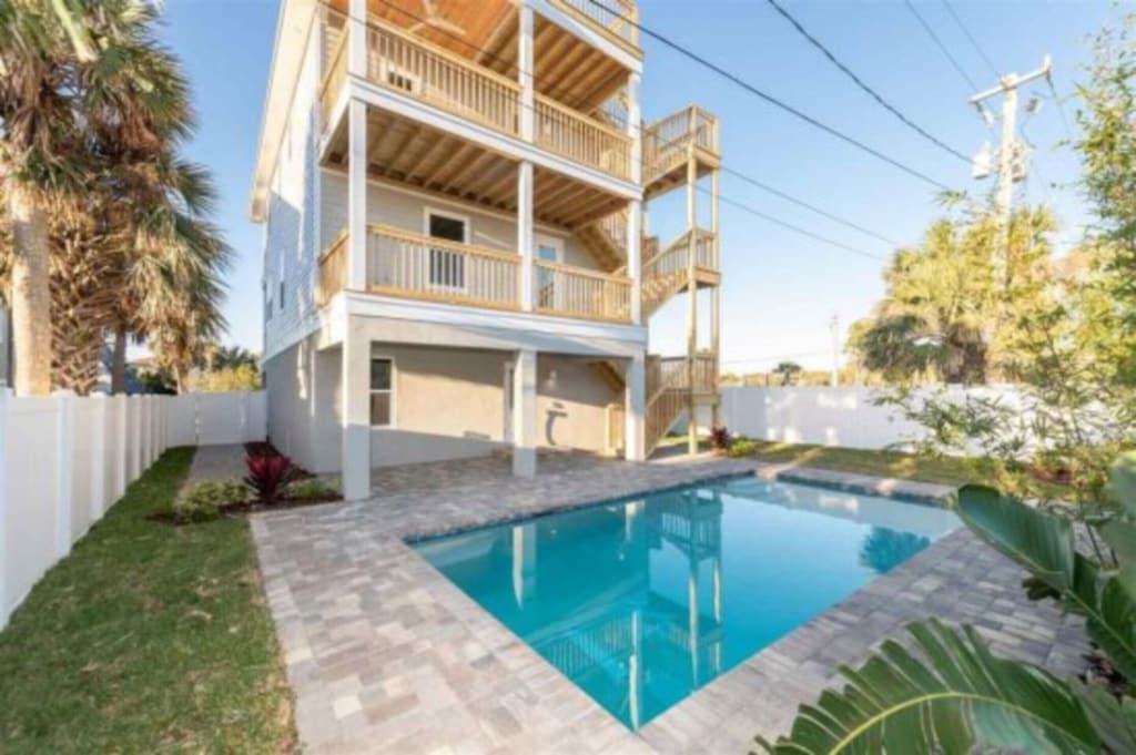 Three Story Beach pool Home