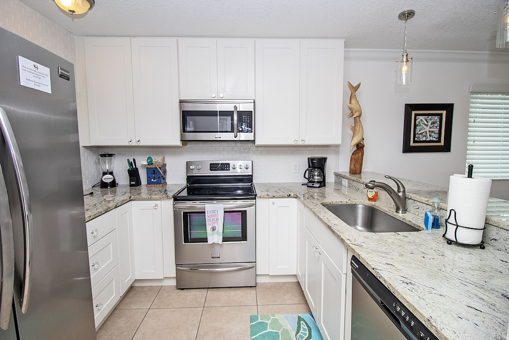 Updated appliances and countertops