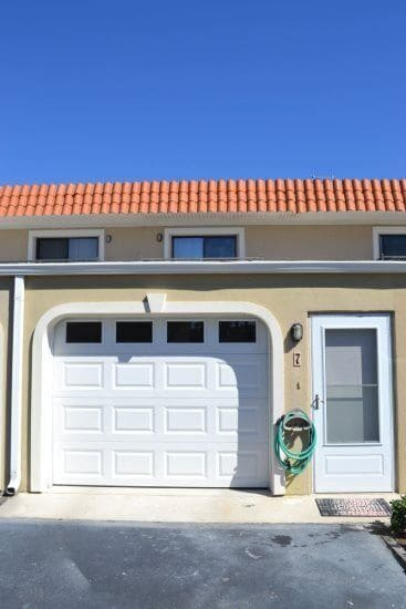 garage for parking