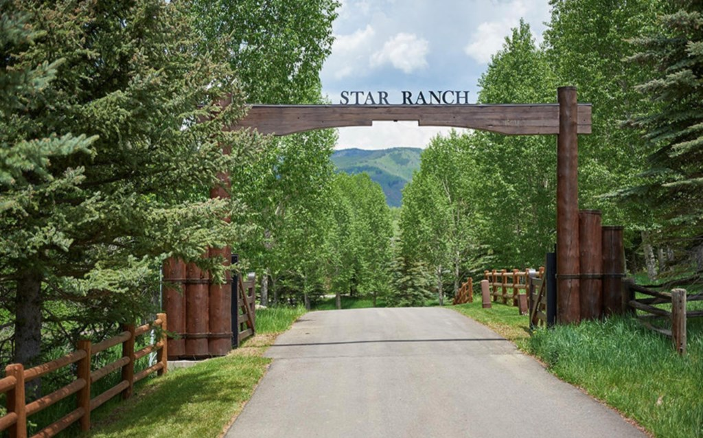 Entry into Star Ranch.jpg