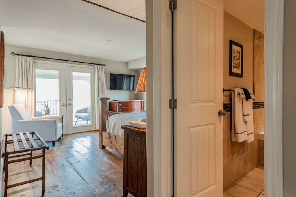 3 bedrooms with ensuite baths and TV in each room - Summerhill House - Niagara-on-the-Lake