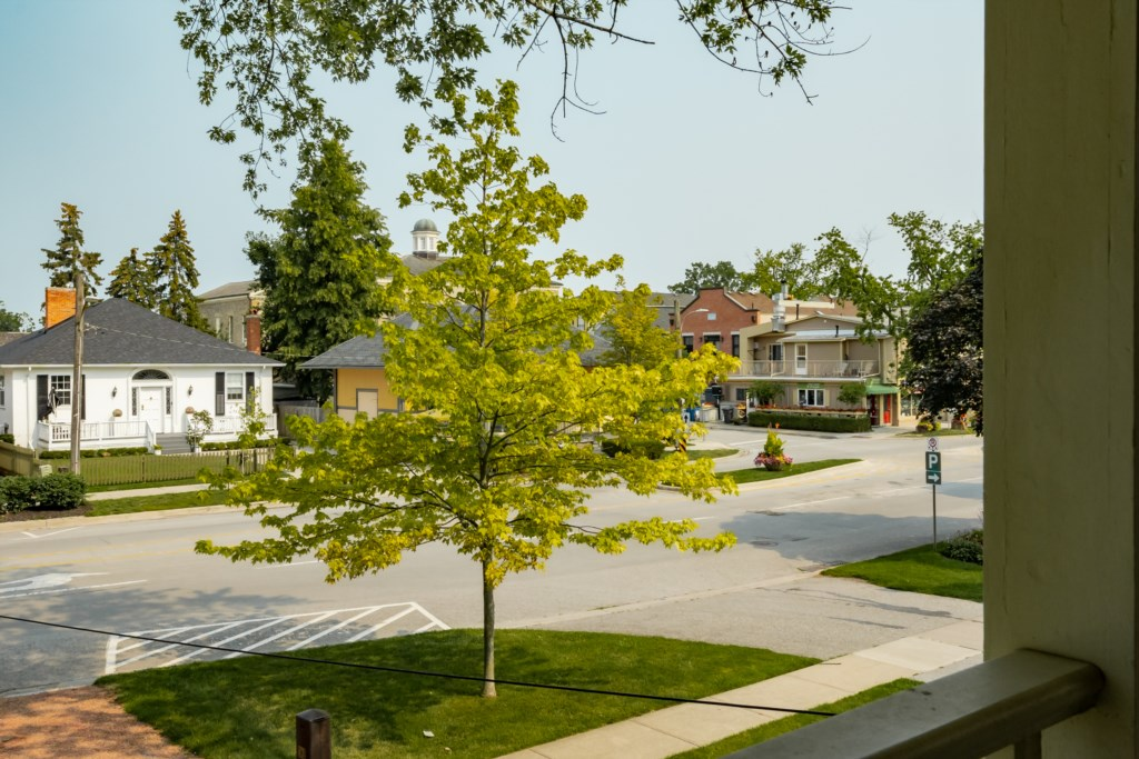 View of King Street from second floor covered porch - Summerhill House - Niagara-on-the-Lake