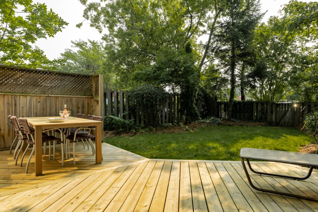 Great outdoor space in the private backyard - Summerhill House - Niagara-on-the-Lake