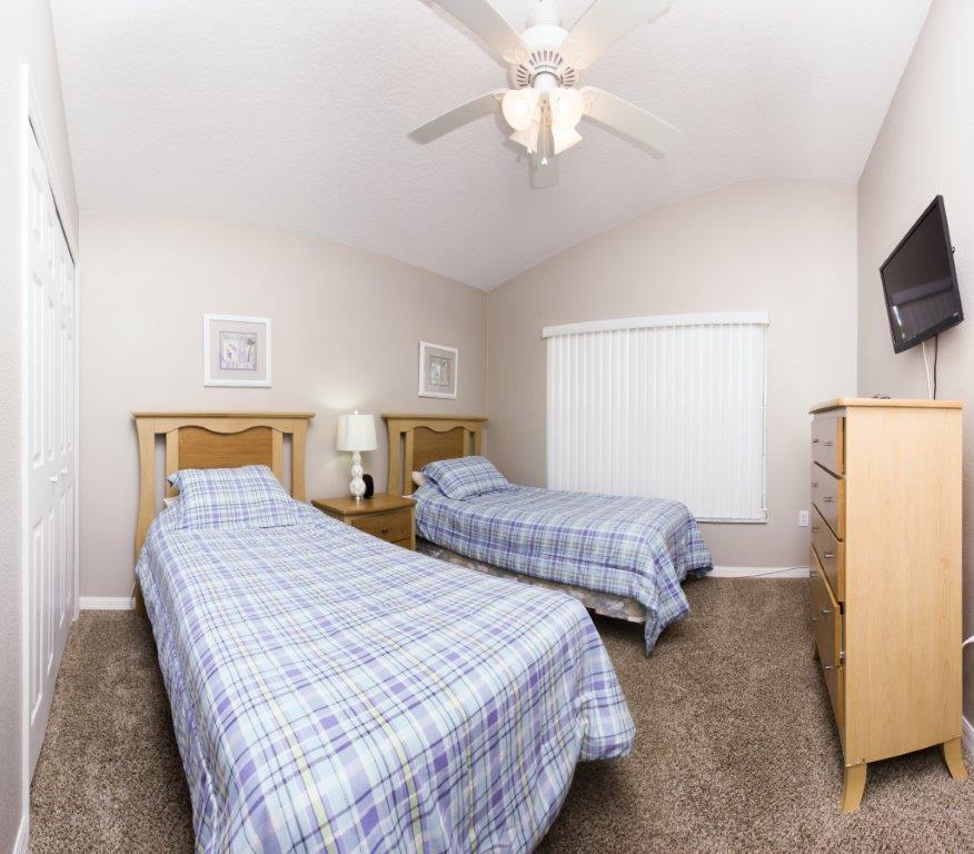 Bed 4 FS (002).jpg