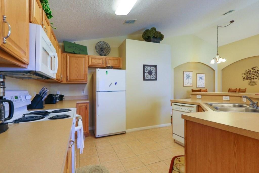 Kitchen 3 (002)new.jpg