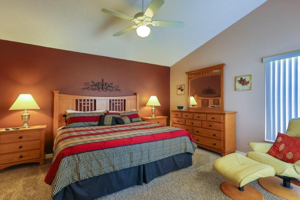 Master Bed 2 (002)new.jpg