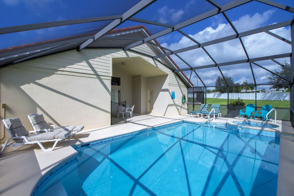 2-The huge outside space is perfect for enjoying the Florida sun.jpg