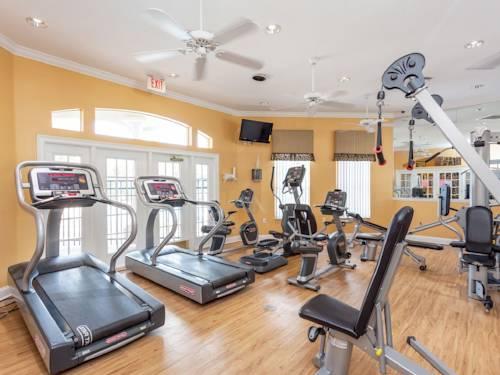 emerald island clubhouse gym 2.jpg