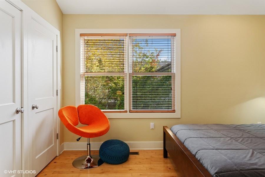 Bedroom #3 (Seating)