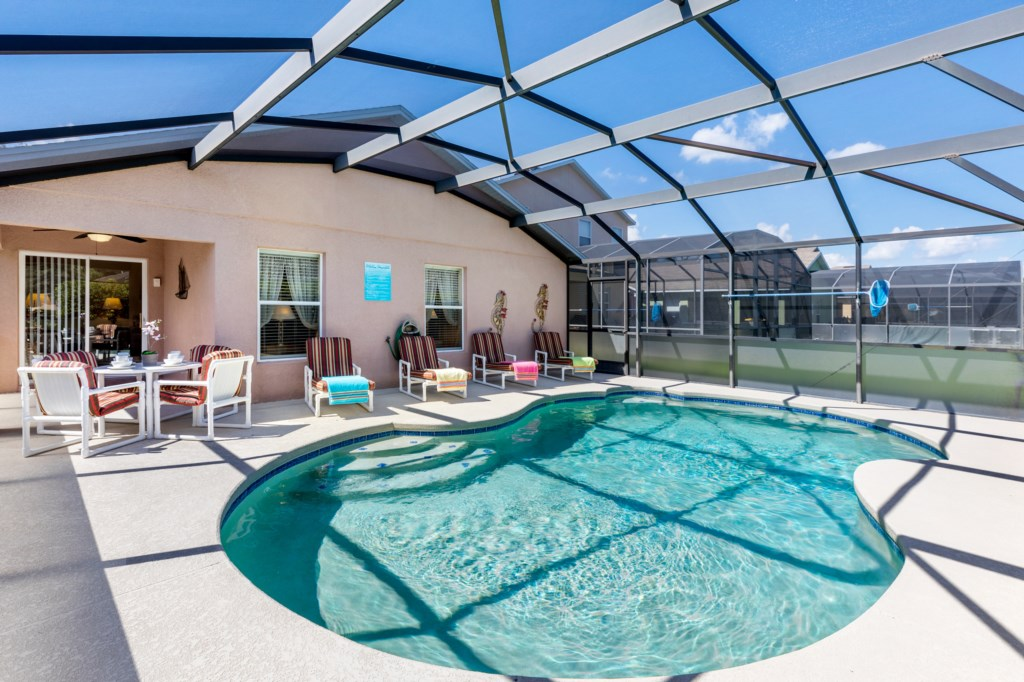 Sunny Private Pool Deck