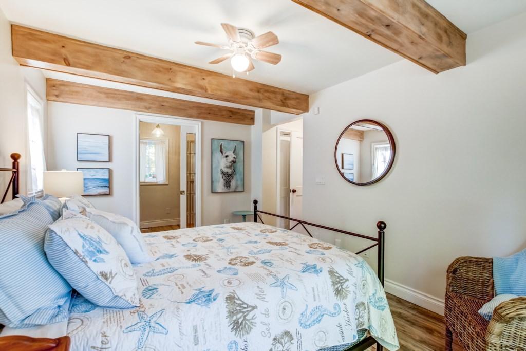 2 Bedroom / 2.5 Bathroom - Blue Pearl - Niagara Holiday Rentals - Niagara-on-the-Lake