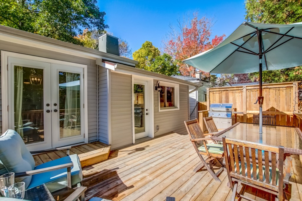 Back Deck off of the kitchen and dining room - Blue Pearl - Niagara Holiday Rentals - Niagara-on-the
