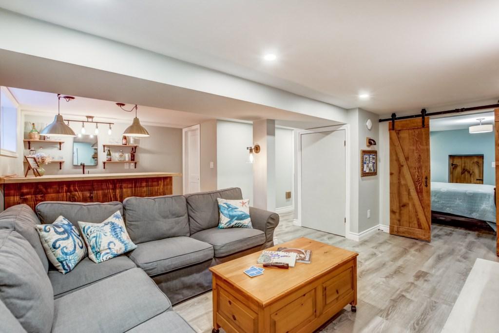 Family room - Blue Pearl - Niagara Holiday Rentals - Niagara-on-the-Lake