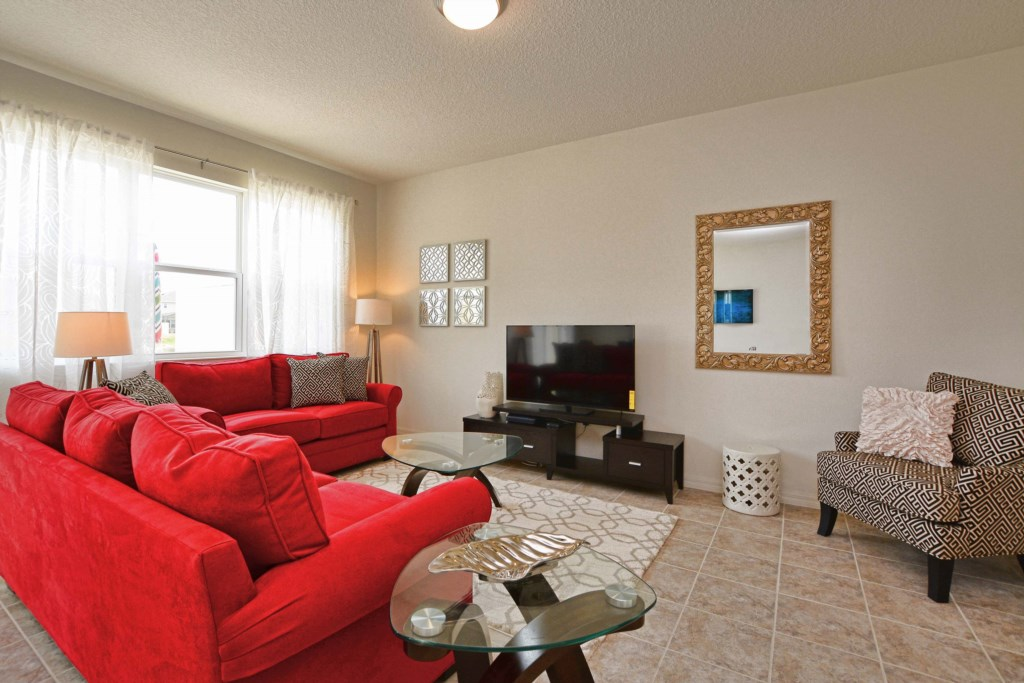06-Family Room2.jpg