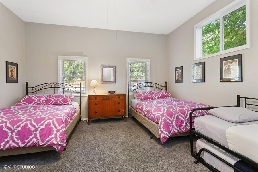 Bedroom #3 (2 Queens & 2 Twins)